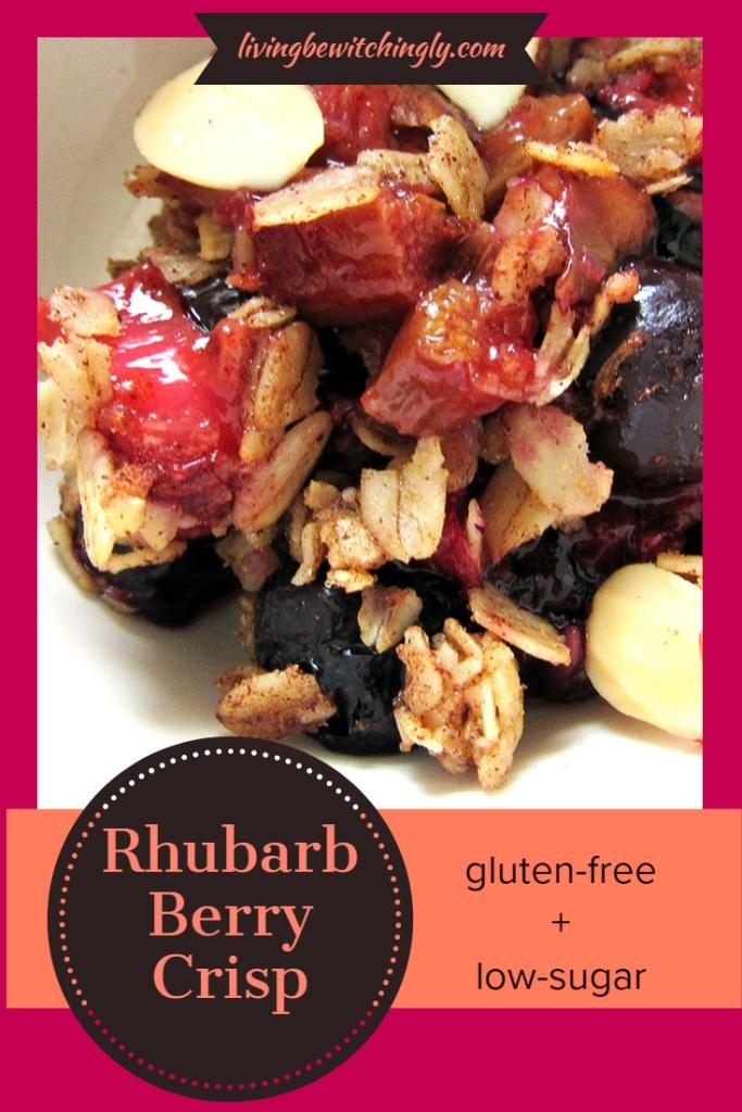 Rhubarb Berry Crisp * lvingbewitchingly.com