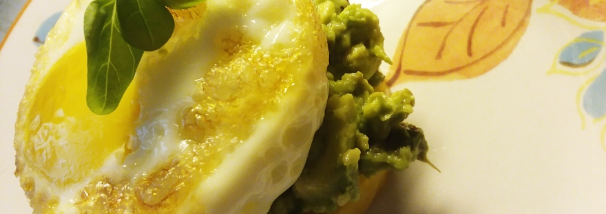Egg Spinach Avocado Polenta Breakfast by livingbewitchingly.com